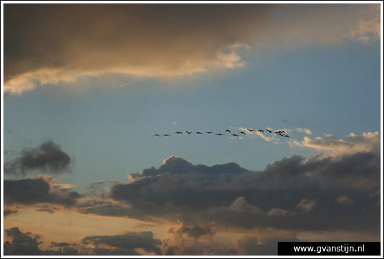 Coll2007-02 Donkere wolken boven het IJsselmeer bij Hoorn 285_0748.jpg