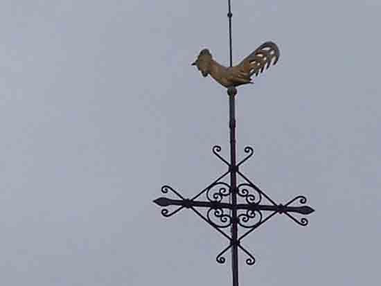 Buitenaanzicht De weerhaan en het kruis in de top van de toren<br><br> 0090_Urbanuskerk_Bovenkerk_0554.jpg