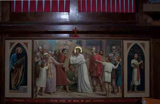 Interieur-Kerk De twee kruiswegstaatsies waarvan ook de zijpanelen nog aanwezig zijn<br><br> 0270_Urbanuskerk_Bovenkerk_4575ps.jpg