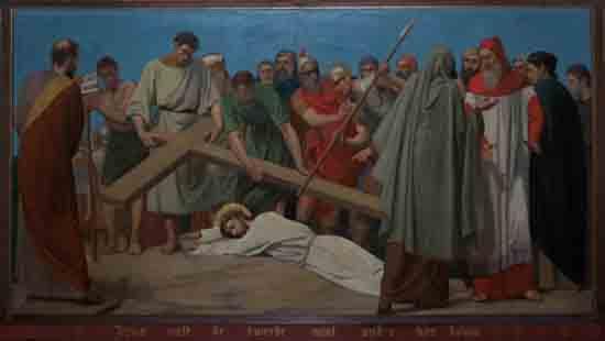 Kruisweg 7. Jezus valt de tweede maal onder het kruis<br><br> 5007_Kruiswegstaatsies_4584.jpg
