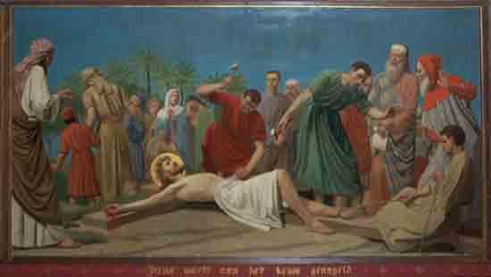 Kruisweg 11. Jezus wordt aan het kruis genageld<br><br> 5011_Kruiswegstaatsies_4593.jpg