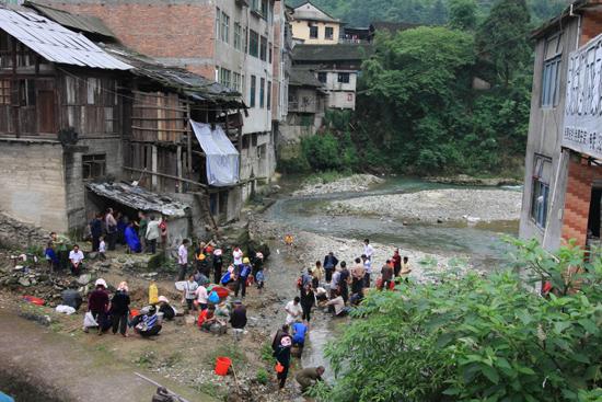 Datang Dorpsplein aan de rivier in Yongle<br><br> 0760_1649.jpg