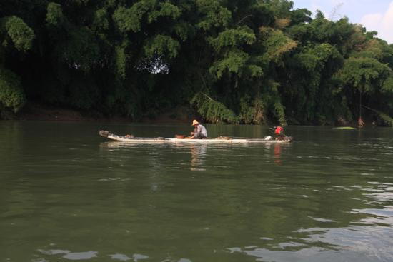 Yangshuo1 Boottocht op Li River - Yangshuo<br><br> 2030_2576.jpg
