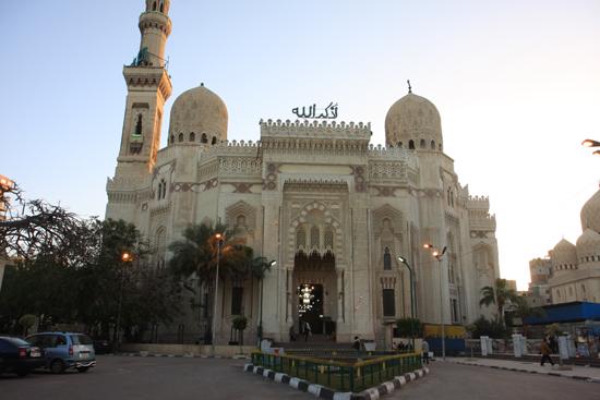 Alexandrie1 El Moursi Abu El Abbas Moskee (1943) nabij de boulevard van Alexandria 0350-Alexandrie-Boulevard-1963.jpg