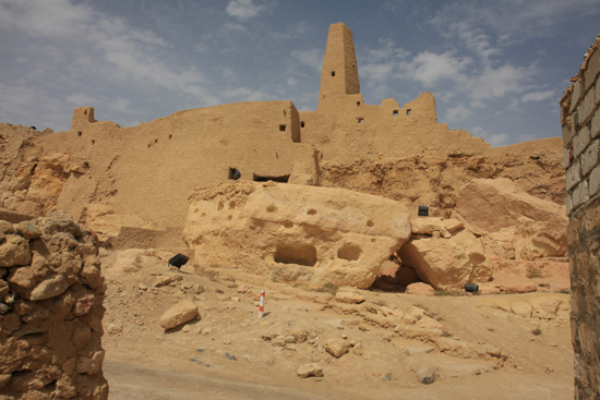 Siwa Siwa - Overblijfselen van de Umm Ubayd tempel, gewijd aan god Amun 0520-Siwa-oase2123.jpg