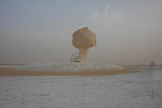 White-Desert Kalksteenformaties in The White Desert ten noordoosten van Farafra 0770-White-Dessert-near-Farafra-2546.jpg