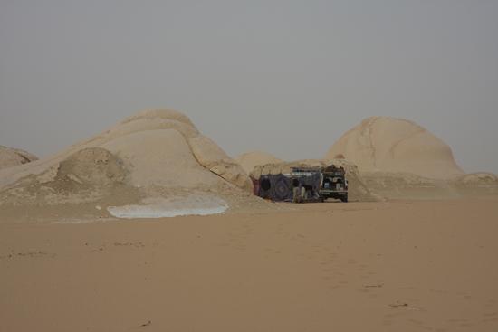White-Desert Ons multi-sterren hotel<br>The White Desert northeast of Farafra 0800-White-Dessert-near-Farafra-2588.jpg