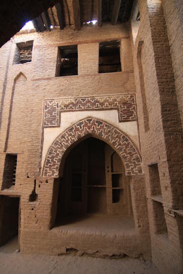 Dakhla Al-Qasr bij Dakhla Oasis<br>Een oud Ottomaans stadje gebouwd in 1516-1798 0990-Al-Qasr-near-Dakhla-Oasis-2876.jpg