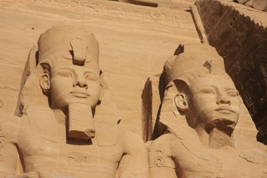 Abu-Simbel Abu Simbel<br>Great Temple of Ramses II (1274-1244 BC)<br>Sorry, geen foto's binnen deze tempels: NOT allowed! 1540-Abu-Simbel-tempels-3435.jpg