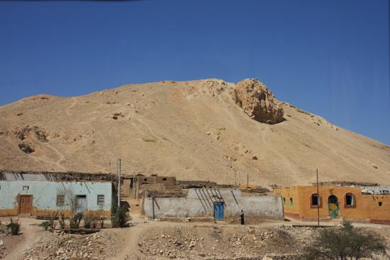 Luxor Onderweg naar Luxor 2140-Op-weg-naar-Luxor-4075.jpg