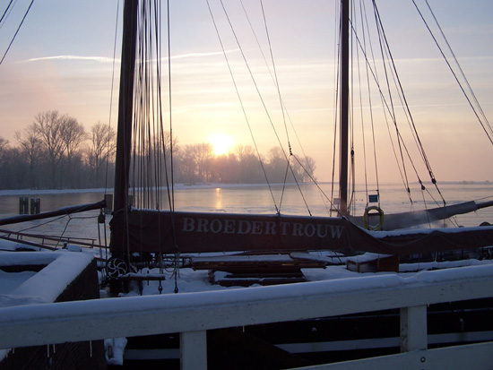 Min12 Zonsopgang in de haven 240_4891.jpg