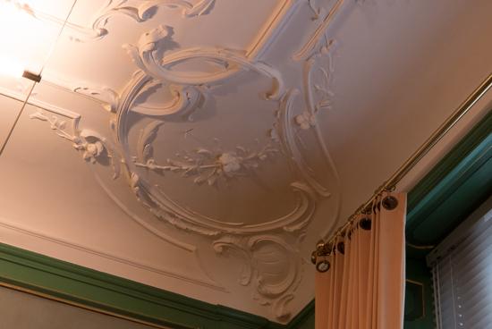 Kantongerecht Fraai pleisterwerk op de plafonds Kantongerecht_Hoorn_1020.jpg