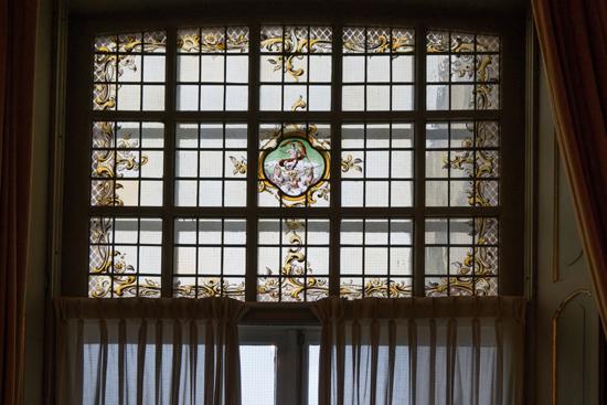 Kantongerecht Gebrandschilderde ramen aan achterzijde  Kantongerecht_Hoorn_1028.jpg
