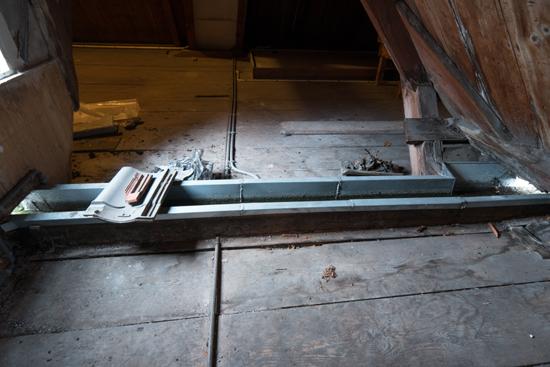 Kantongerecht Inpandige waterafvoer op de zolder Kantongerecht_Hoorn_1078.jpg