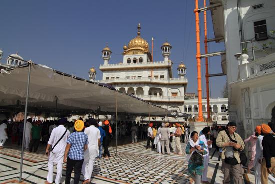 Amritsar1 Plein bij de ingang van het tempelcomplex<br><br> 0010-Amritsar-Gouden-Sikh-tempel-2388.jpg