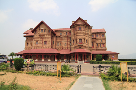 Jammu Amar Mahal Paleis en Museum even buiten Jammu<br><br> 0520-Jammu-Kashmir-2858.jpg