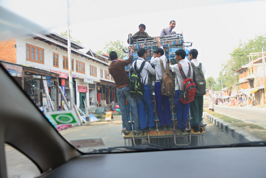 Srinagar1 Veilig? Openbaar vervoer<br><br> 0800-naar-Srinagar-Kashmir-3030.jpg