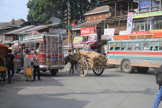 Gulmarg Verkeersdrukte in het centrum van Srinagar<br><br> 1310-Srinagar-Centrum-3488.jpg