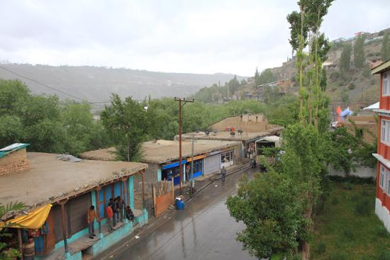 Kargil Uitzicht vanaf ons hotelbalkon in Kargil<br><br> 1830-Kargil-Ladakh-3881.jpg
