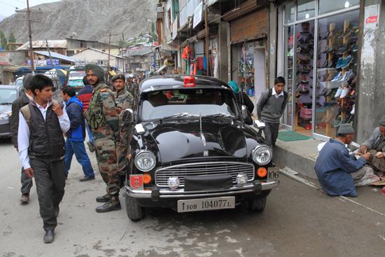 Kargil Mooie auto<br><br> 1990-Kargil-Ladakh-3952.jpg