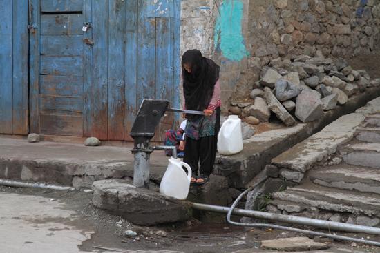 Kargil Waterpomp<br><br> 2000-Kargil-Ladakh-3953.jpg