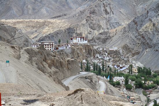 Lamayuru2 Lamayuru klooster complex<br>Gebouwd op een schitterende locatie<br><br> 2170-Lamayuru-Ladakh-4105.jpg