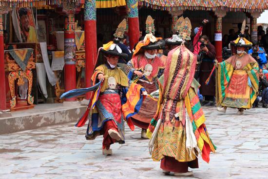 Hemis-Festival Monniken nu in de rol van maskerdansers<br><br> 2580-Hemis-festival-Ladakh-4459.jpg