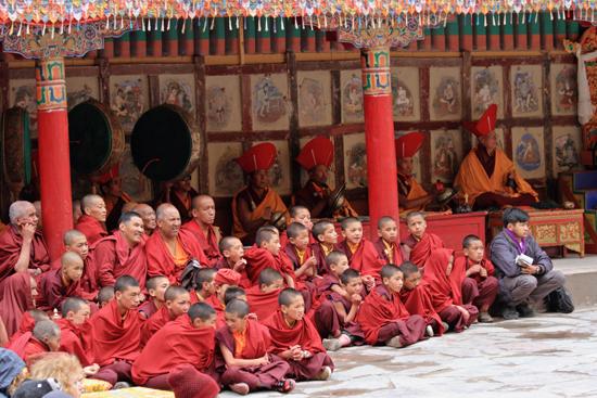 Hemis-Festival Aandachtige toeschouwers<br><br> 2590-Hemis-festival-Ladakh-4461.jpg