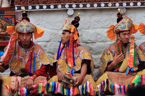 Hemis-Festival Monniken in feestelijke outfit<br><br> 2630-Hemis-festival-Ladakh-4489.jpg