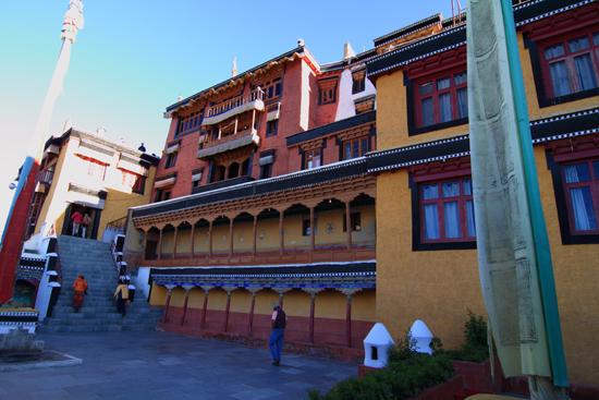 Thikse Binnenplaats van het uitgebreide kloostercomplex<br><br> 2720-Thikse-Thiksay-Ladakh-4549.jpg