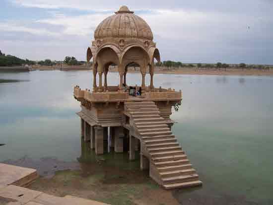 Jaisalmer Tempeltje in het water 100_2994.jpg