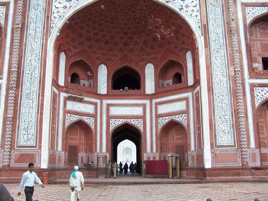 Agra Hoofdpoort van het Taj Mahal complex 100_3945.jpg