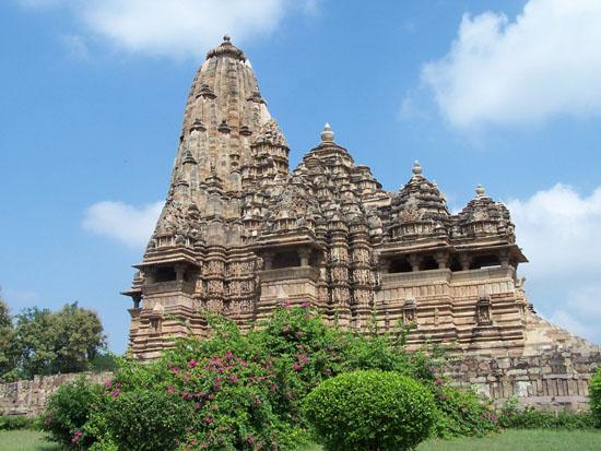 Khajuraho2 KhajurahoDe Kandariya Mahadeva Tempel 100_4091.jpg