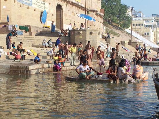Varanasi2 Een onvergetelijke belevenis om op de Ghats rond te lopenof een boottochtje te maken op de Ganges 100_4423.jpg
