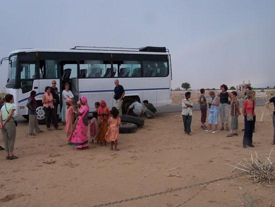 Jaisalmer Band wiselen in de Thar-woestijn Pech-onderweg-Thar-Woestijn_2904.jpg