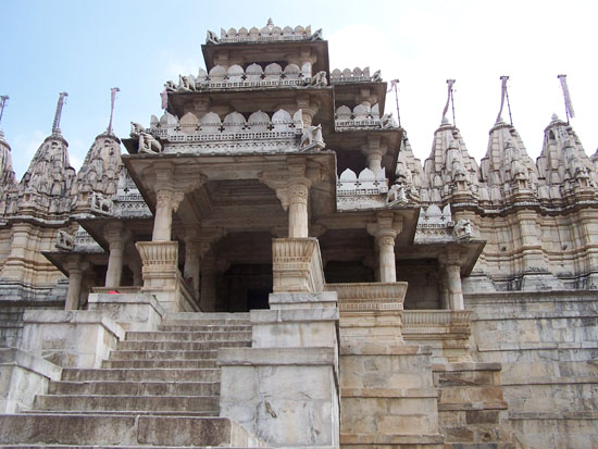 Udaipur De Adinath Jain tempel in Ranakpur (1432) Ranakpur-Adinath-Jain-Tempel_3282.jpg