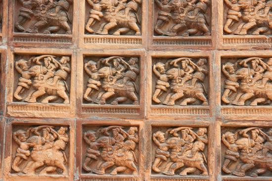 Kolkata1 Wood-carving on door of bank office Houtsnijwerk op deur van bankgebouw 1460_2921.jpg