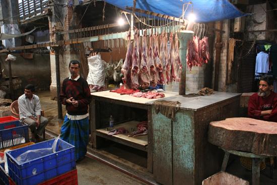 Kolkata2 Butcher at New Market Calcutta Slager op New Market Kolkata 1740_3157.jpg