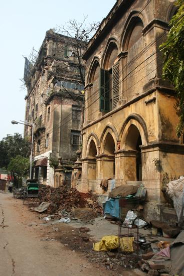 Kolkata2 Old colonial buildings near Park Street Oude koloniale gebouwen bij Park Street 1760_3171.jpg