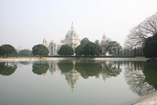 Kolkata2 Victoria Memorial HallOne of my favorite pictures Victoria Memorial Hall in CalcuttaEen van mijn favoriete opnames 1810_3200.jpg