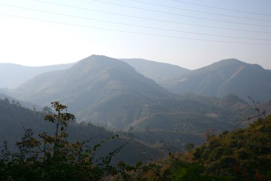 Adivasi-Tour4 Nice landscape for a walk Mooi landschap voor wandelingen 2720_4956.jpg