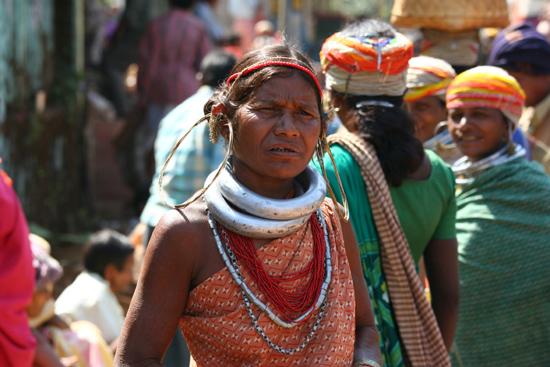Adivasi-Tour5 Enormous ear-rings and collars Enorme oorringen en halsbanden 2880_5134.jpg