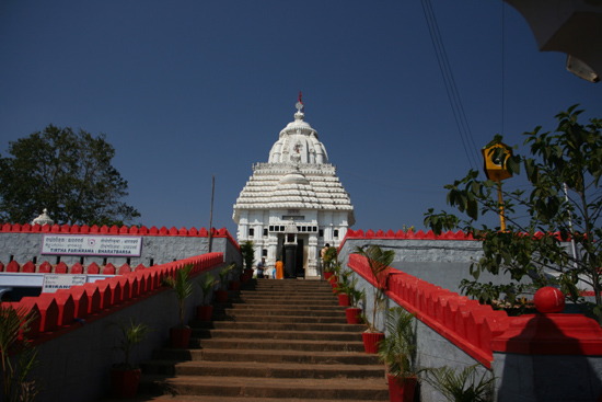 Koraput Jagannath Temple in KoraputEntrance of the temple Jagannath tempel KoraputToegangstrap tot de tempel  3520_5698.jpg