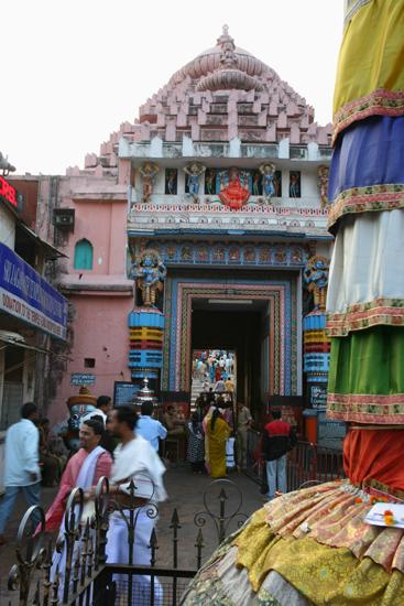 Puri Puri - Jagannath Hindu Temple Mandir (1198)An enormous templecomplex in the centre of Puribut unfortunately closed for non-hindus Puri - Jagannath Hindoe Tempel (1198)Een enorm tempelcomplex in het centrum van Puri,maar helaas gesloten voor niet-hindoe's maar helaas gesloten voor niet-hindoe's  3660_5841.jpg