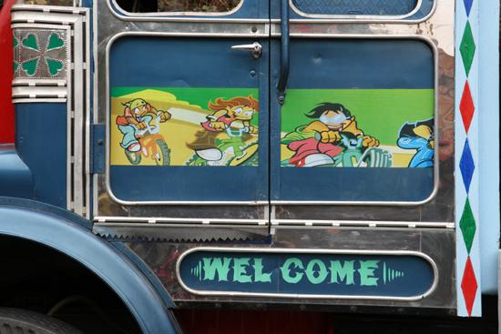 Darjeeling Mooi geschilderde deur van een truck<br><br> 0010_4195.jpg