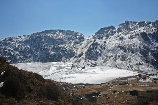 Gangtok Nog mooier panorama vanaf de bergtoppen<br><br> 1000_3957.jpg