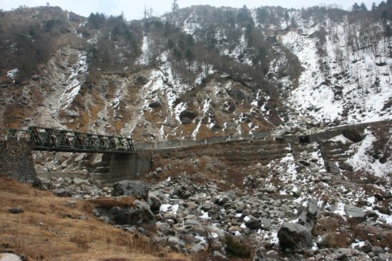 Gangtok Roung Chu Bridge<br><br> 1030_3993.jpg