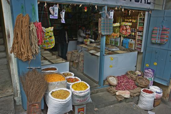 Kalimpong Winkel in het centrum van Kalimpong<br><br> 1140_4069.jpg