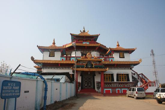 Kalimpong Zong Dog Palri Fo-Brang Gompa alias Durpin Gompa op Durpin Hill (1372m)<br> 1976 ingewijd door de Dalai Lama<br><br> 1190_4084.jpg