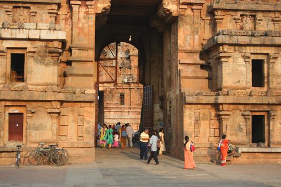 Tiruchirappalli Imposante toegangstoren tot de IMG_6486.jpg